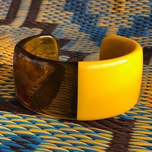 VTG 1980s Lucite Cuff Bracelet Plus Size